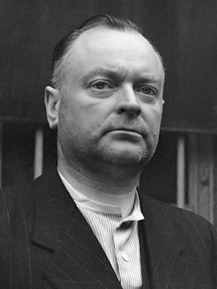 Anton Mussert, gevangen in Scheveningen (1945)