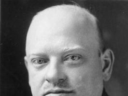 Gustav Stresemann (Berlijn, 10 mei 1878 – aldaar, 3 oktober 1929) was een Duits democratisch politicus.